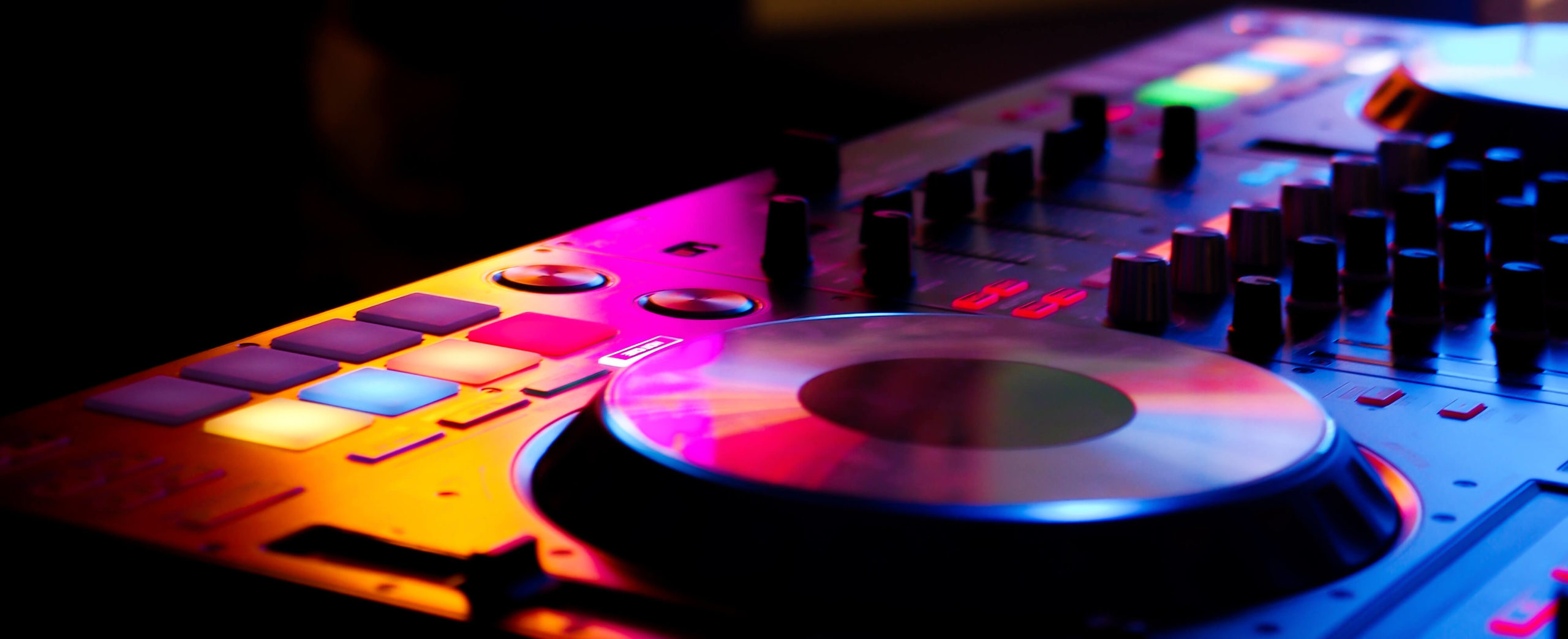 Why Music Producers are the best Djs - Live Performance